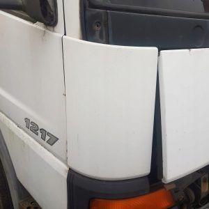 Owiewka prawy narożnik kabiny Mercedes Atego