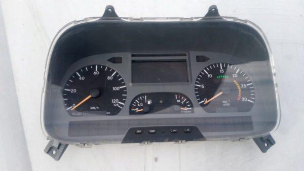 A 0044468121 zegary licznik Mercedes Atego Axor