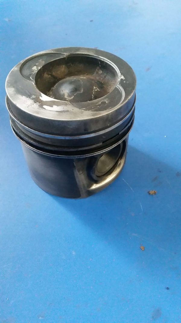 Tłok Tłoki silnika MAN L2000 D0826