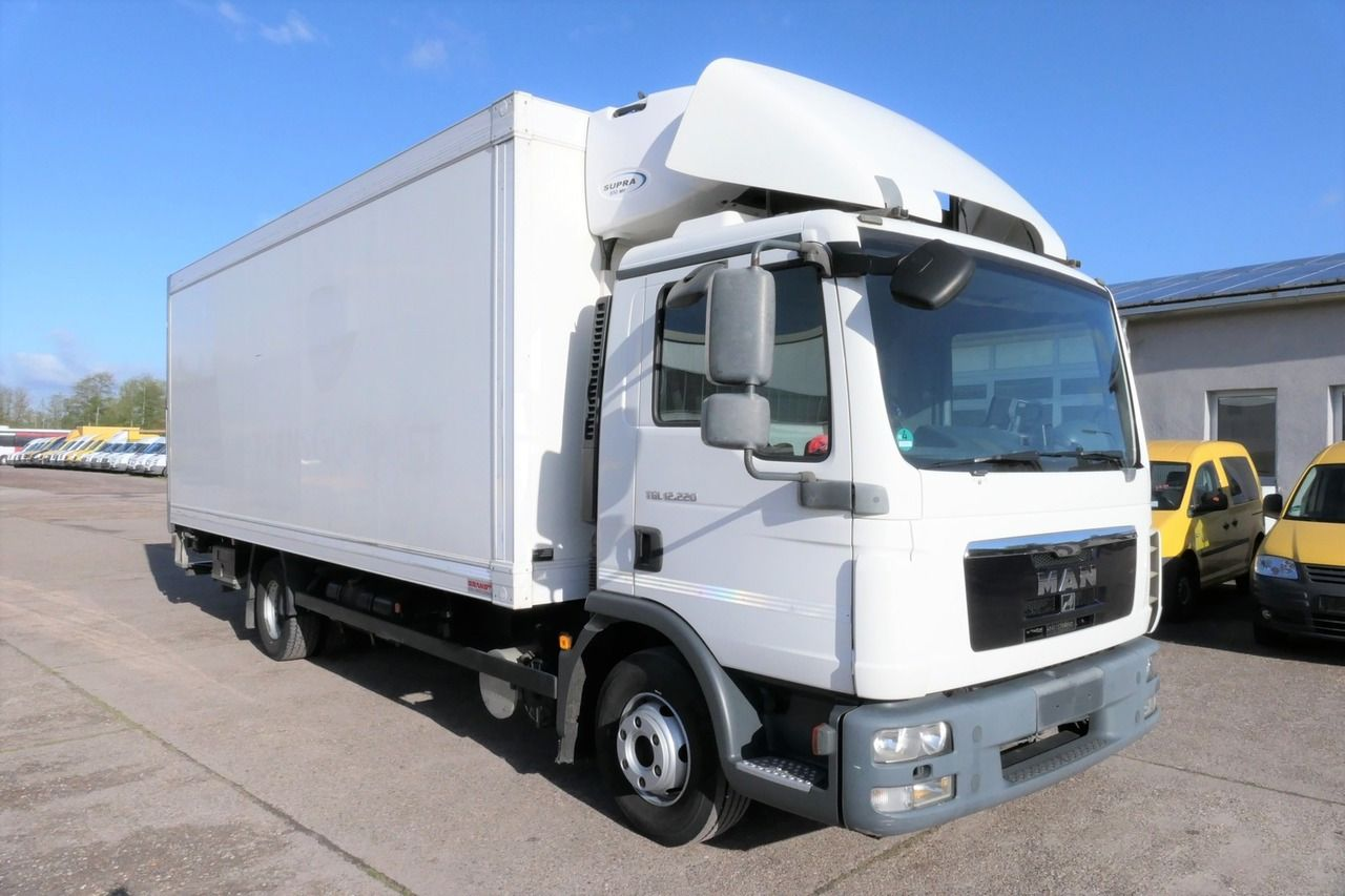 MAN TGL 12.220 4x2 - rigid chassis and four-cylinder engine